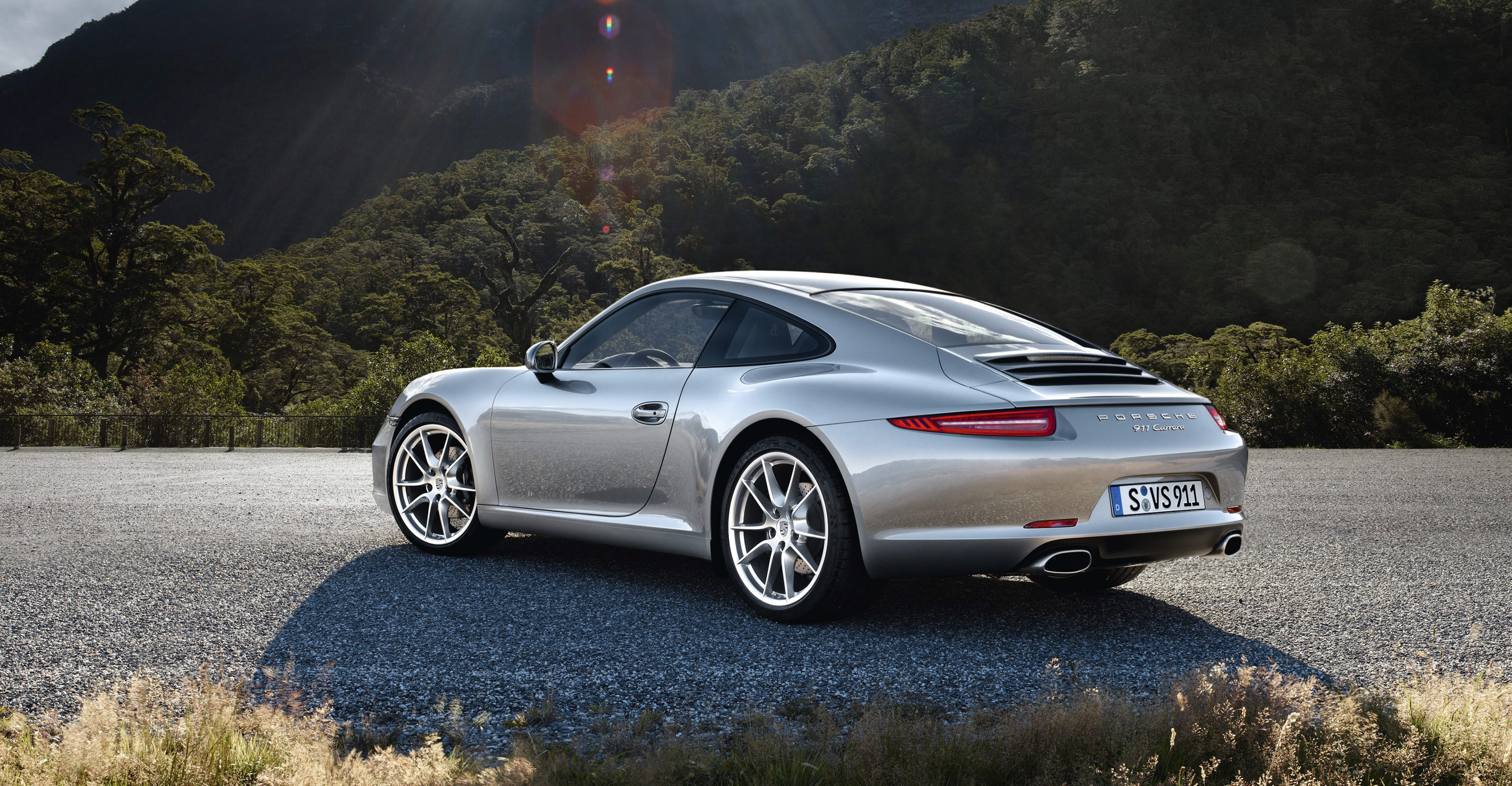 the new porsche 911 2012 is just sublime design sojourn. Black Bedroom Furniture Sets. Home Design Ideas
